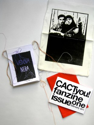 """ANZINE CACTYOU! """"BLACK WIDOW"""" / Fanzine to browse or to hang on the wall / Linoleum print on cloth """"Satinette"""" / CD with the song """"Mourir pour des idées"""" (Dying for ideas) from Georges Brassens sung by Moira Albertalli / 2011"""