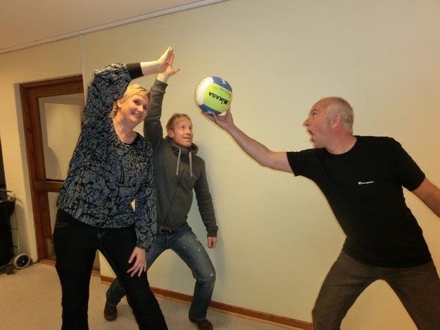 Volleyballbombe, og tronskifte på Aglo!