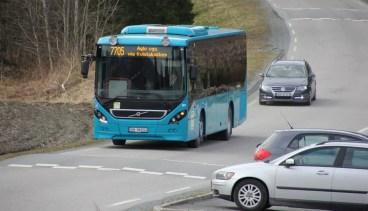 Der kommer endelig skolebussen vår
