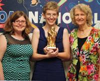 Elise Howard (center) with her presenters, Brittany Fischer (l) and Ellen Bredeweg (r)