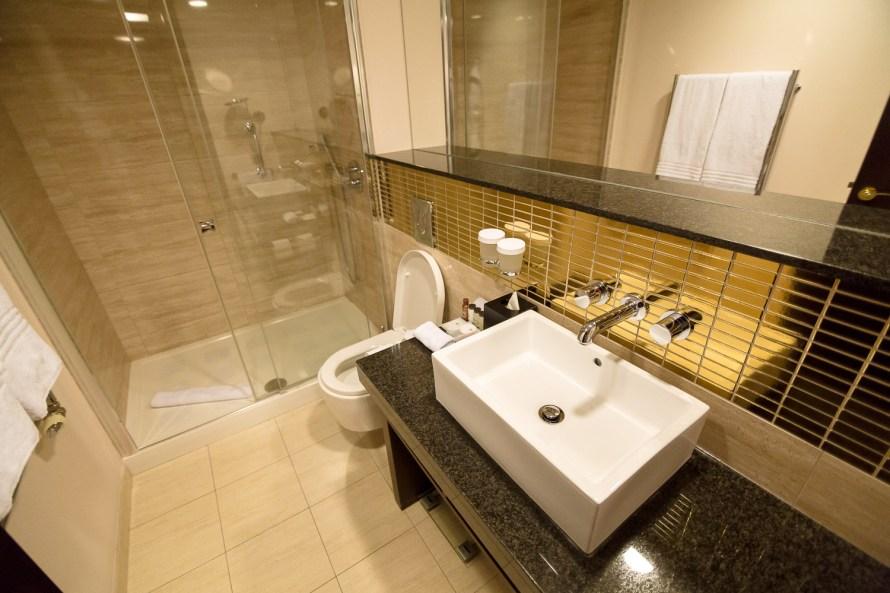 Sheraton Prague Charles Square bathroom