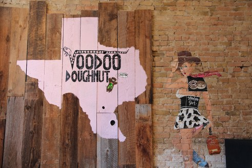 Voodoo Doughnut, Austin