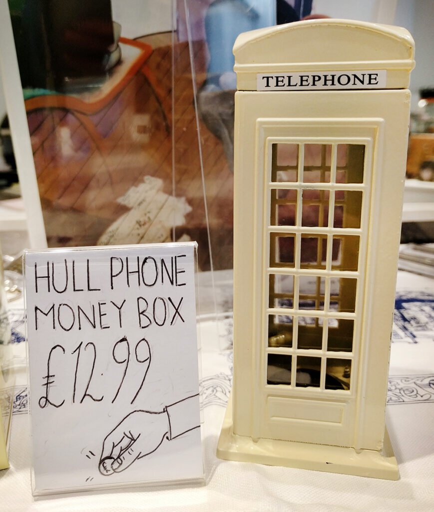 Hull telephone box souvenir