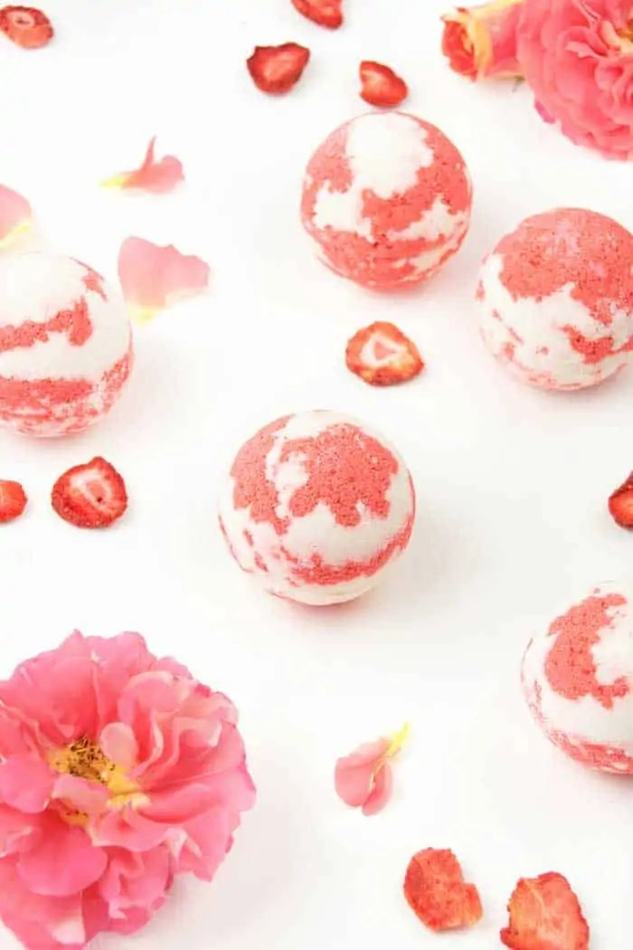 Moisturizing Bath Bombs Strawberry Milkshake Bath Bombs