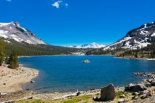 snow-capped-mountains-and-lake-in-yosemite-national-parkcalifornia