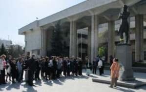 Торжественная акция открытия форума у памятника А.С. Пушкину «…Чувства добрые я лирой пробуждал» (14 апреля).