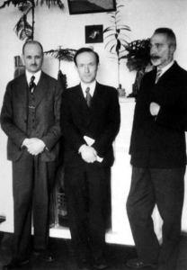 Члены Двинской группы. (Клизовский второй слева в первом ряду)