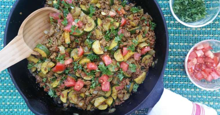 One Skillet Simple Ground Beef Recipe with Zucchini and Spices