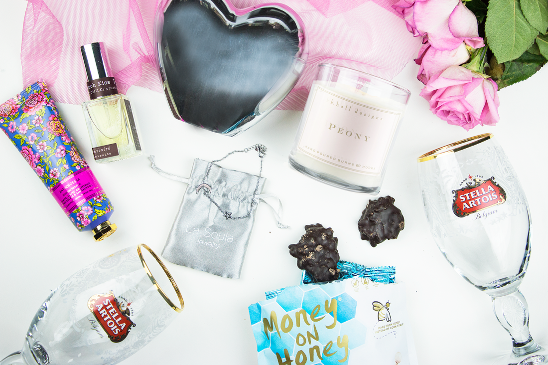 Peek inside the February POPSUGAR Must Have Subscription Box + $5 off coupon | A Good Hue