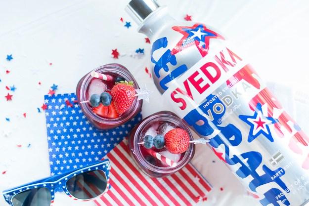 Fourth of July Very Berry Vodka Lemonade | A Good Hue