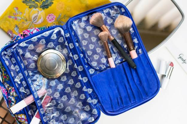 Travel Beauty Tips for the Gal On-the-Go | A Good Hue