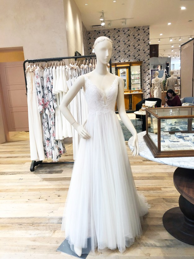 Wedding Dress Shopping Tips for the Bride-to-Be | A Good Hue