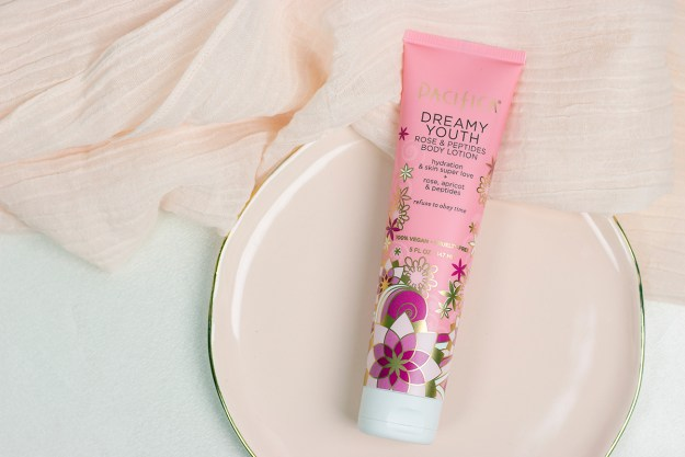 My Current Spring Beauty Favorites: Pacific Dreamy Youth Body Lotion | A Good Hue