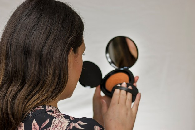 How-To Apply Cushion Bronzer   A Good Hue
