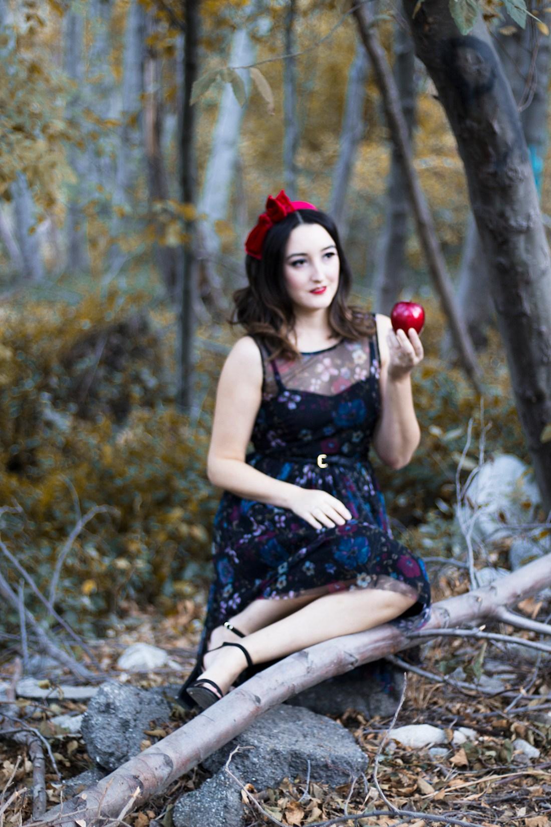 Halloween Costume: Snow White | A Good Hue