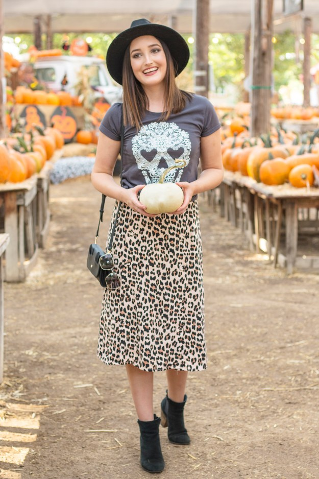 Fall Style: Graphic Tee & Leopard Midi Skirt | A Good Hue