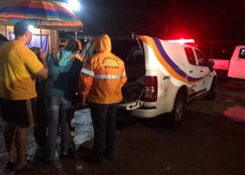 Lonas foram distribuídas para os moradores atingidos. Foto: Defesa Civil / Divulgação