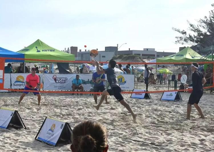 No total, serão montadas 30 quadras na beira da praia. Foto: Cleon Medeiros/Divulgação