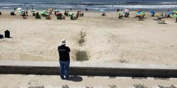 Lançamento de esgoto no mar também foi verificado. Foto: Divulgação/PMRS