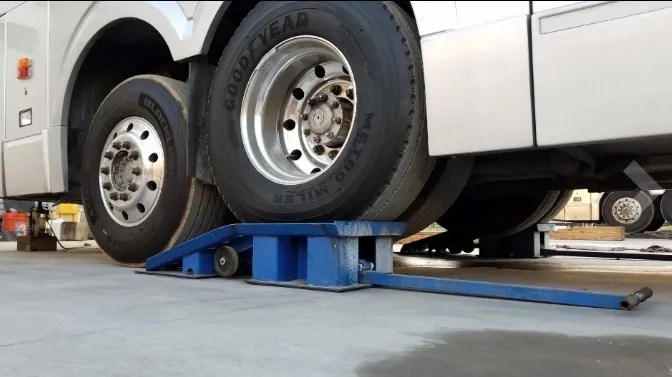 Best Heavy Duty Ramps for Trucks (For Big Trucks & Oil Changes
