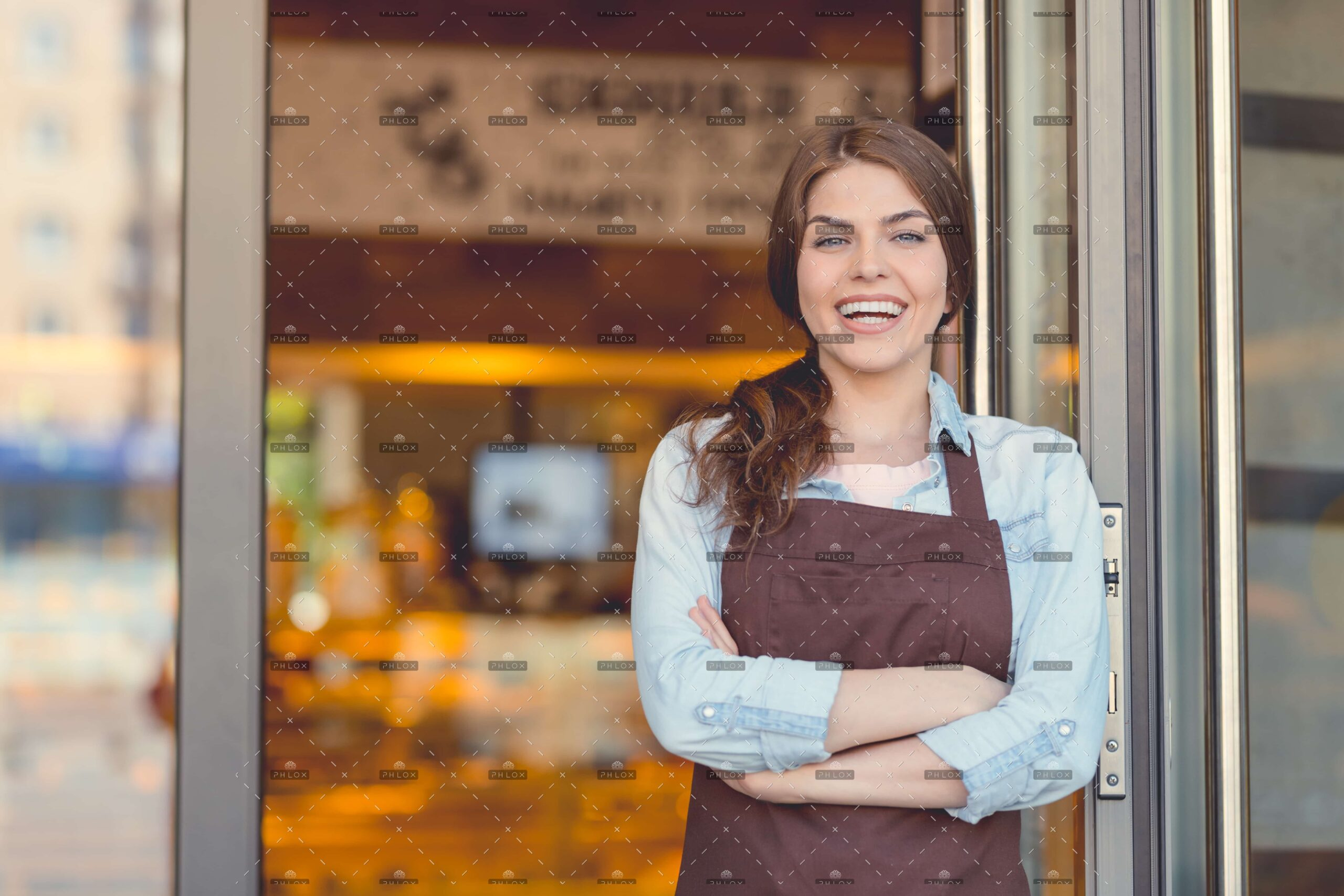 demo-attachment-679-op_smiling-woman-in-the-bakery-JYL2XCB
