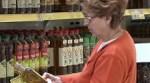 Supermercados investigados por vender aceite de oliva por debajo del coste.