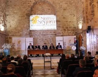 Grupo de personas en la conferencia