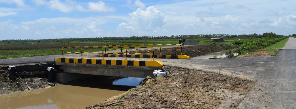 The completed bridge to the site aback of Onverwagt