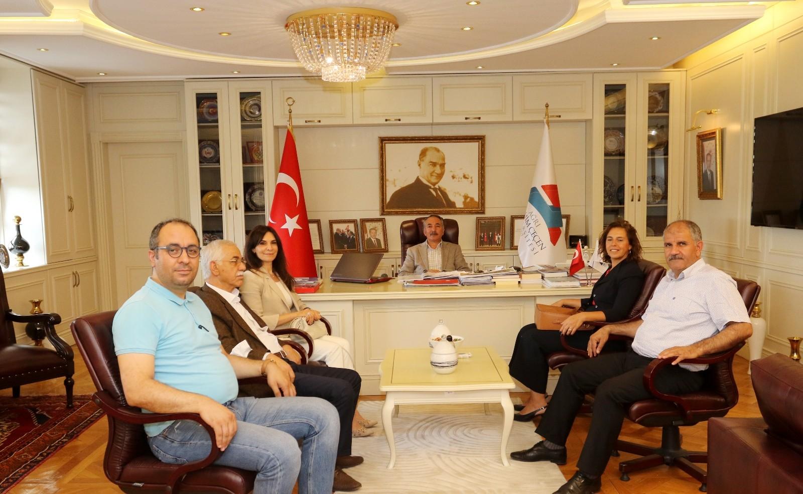 """AİÇÜ Rektörü Prof. Dr. Karabulut: """"İşbirliğinin artması sanayinin gelişimini de artırır"""""""