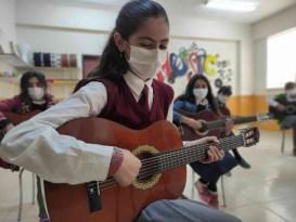 Ağrı'da öğretmen ve öğrencilere yönelik zeka oyunları ve sanat projeleri hayata geçiyor