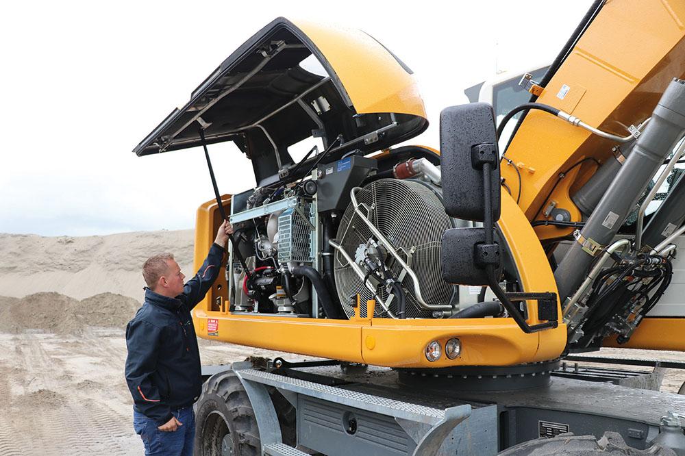 Liebherr A914 - een machine om bergen mee te verzetten - Agri Trader praktijktest (1)