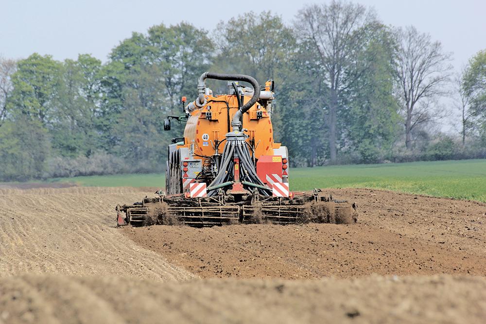 Veenhuis Eco Line mesttank Waar eenvoud volstaat en high-tech loont - Agri Trader Test Jaarboek (2)