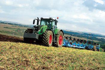 Fendt 900 Vario - Grotere cilinderinhoud minder toeren - Agri Trader Test Jaarboek (22)
