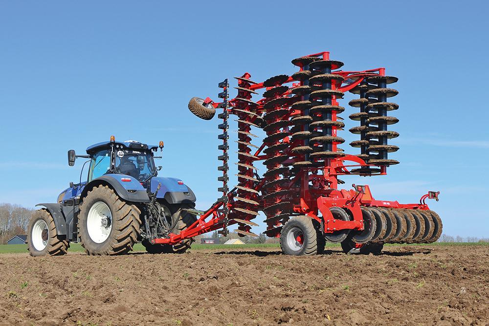 HE-VA Disc-Roller XL contour - Deense pionier - Agri Trader Test Jaarboek (1)