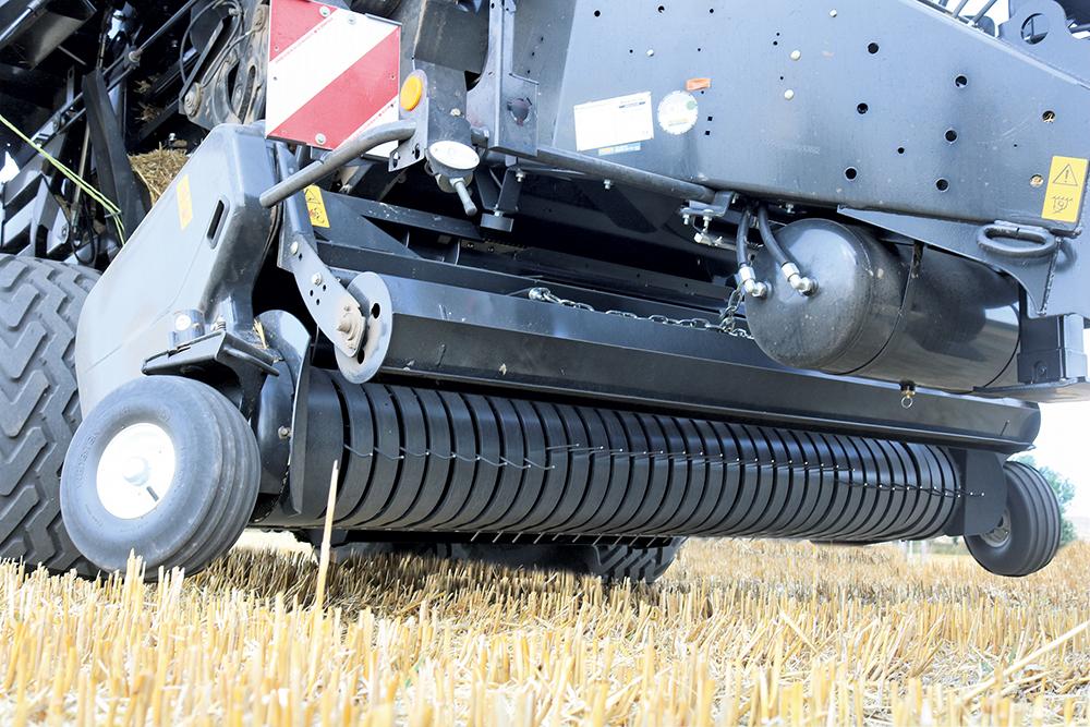 Verbeterd New Holland BigBaler serie - Agri Trader test jaarboek (8)