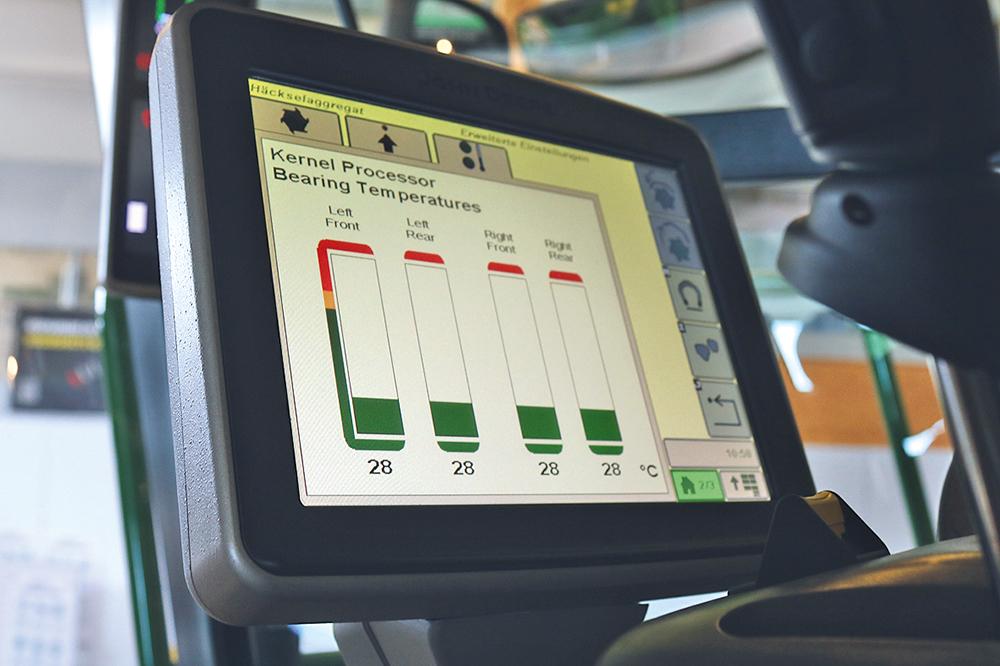 John Deere 9000 serie veldhakselaar - meer vermogen, minder toeren - Test Jaarboek Agri Trader (16)