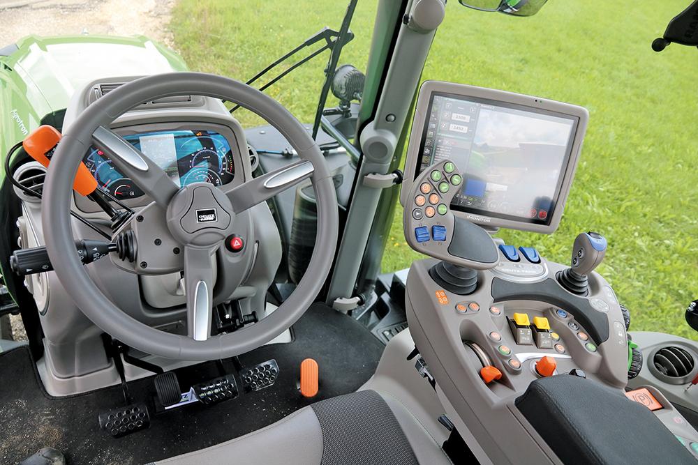 Deutz-Fahr 8280 - Transportspecialist met nieuwe transmissie - Agri Trader Test Jaarboek - (3)