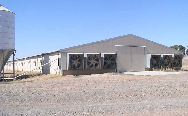 Environmentally-controlled-poultry-housing-system
