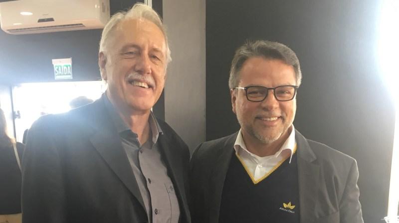 Iro Schünke com o presidente da Souza Cruz, Liel Miranda