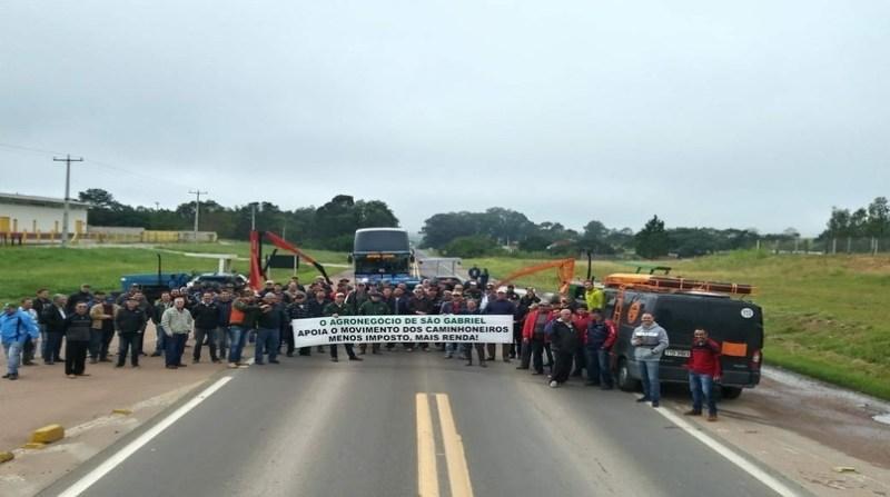 greve caminhoneiros agricultores sao gabriel