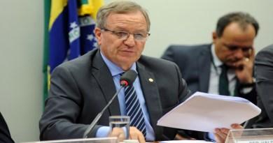 Câmara: Comissão aprova punição para descarte de lixo plástico em oceanos por embarcações