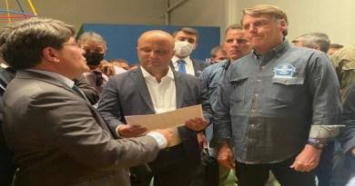 """Produtores de leite pedem apoio de Bolsonaro para superar """"regime de servidão"""""""