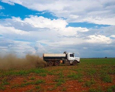 Adubação a lanço não ajuda na produtividade da soja e desperdiça o fósforo