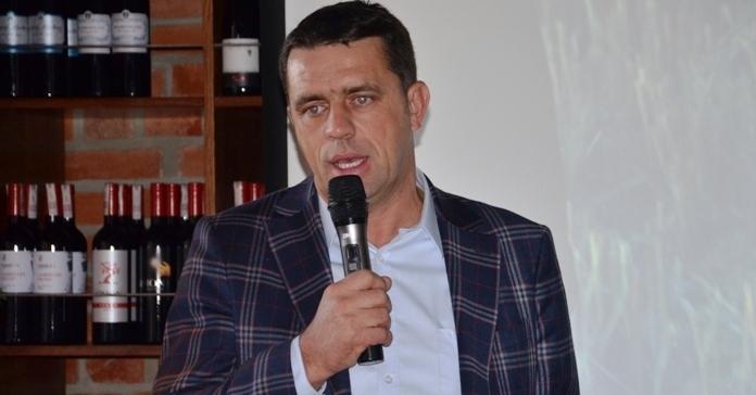 Marek Różniak, Agro-Land, uprawa pasowa, Centrum Badawczo-Rozwojowego