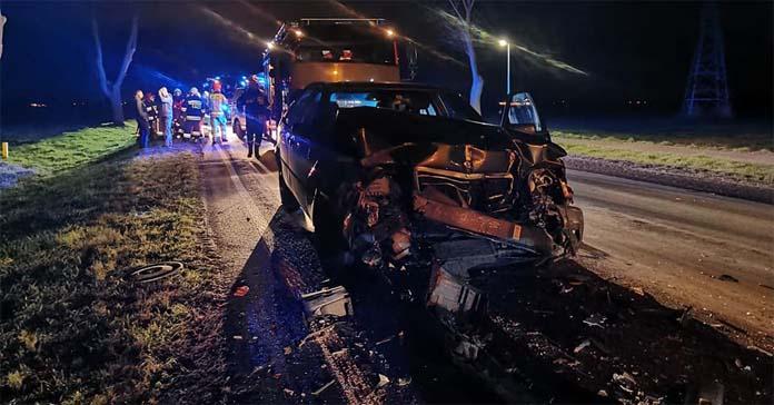 Mercedes, ciągnik, OSP Granowo, wypadek na wsi, wypadki na wsi