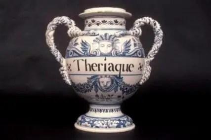 Figure 27 : vase à thériaque