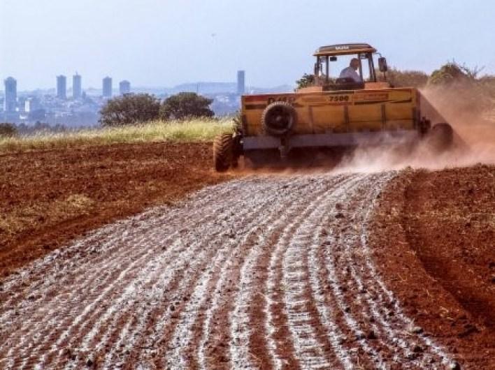 A importância do calcário para o solo Com fazer uma aplicação correta