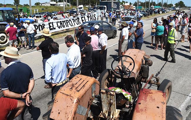 Uruguay-protestas w