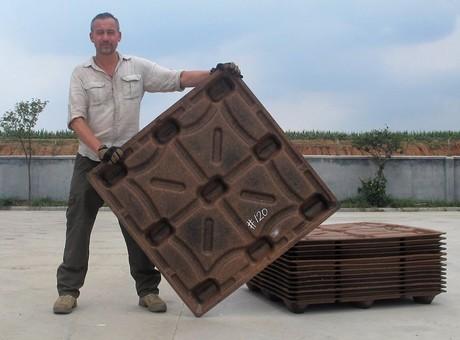 Una empresa holandesa crea palés con cáscara de coco