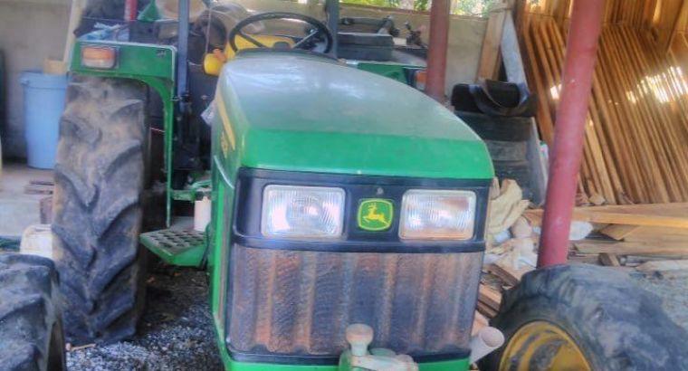 Se vende tractor